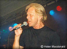 Carl Wayne on stage with The Hollies in 2002